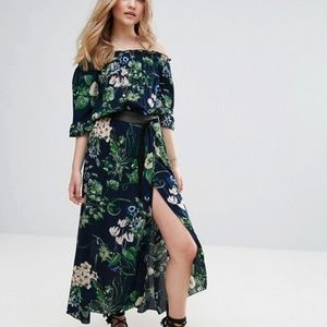 QED London Floral Print Ofd Shoulder Maxi Dress
